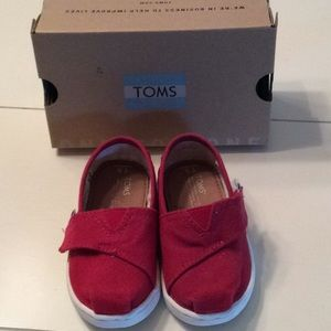 Toms Toddler Classic Red Canvas Shoe, 5T